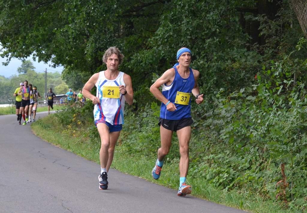 Ve Frenštátě p. R. běželi naši dospělí i mládež