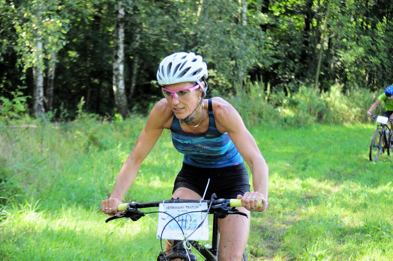 Darina Krausová obhájila vítězství na Větřkovickém triatlonu